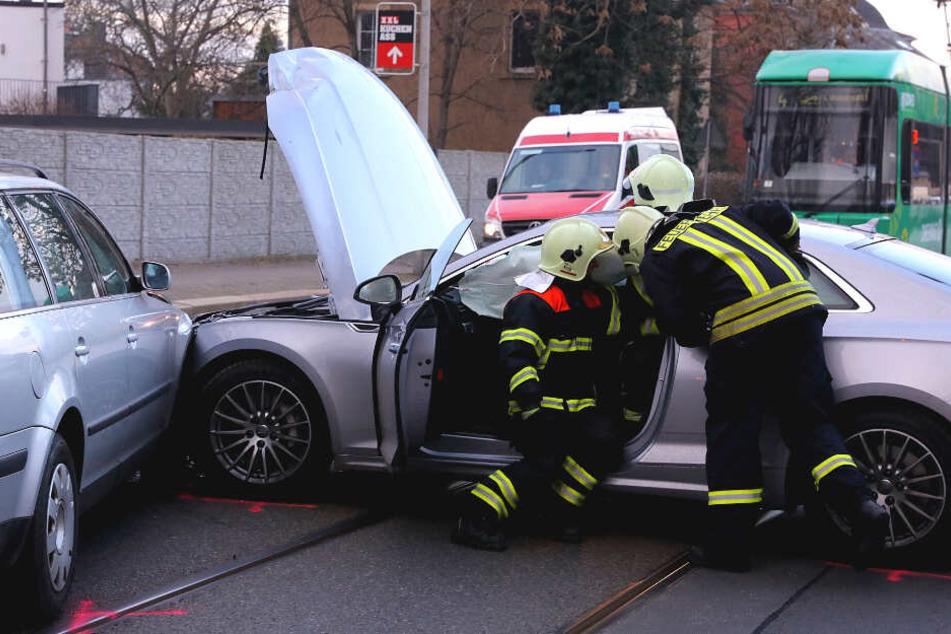 An beiden Autos entstand ein erheblicher Schaden.