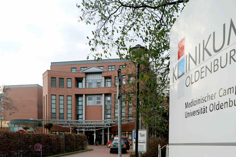 Haupteingang des Klinikums Oldenburg. Auch hier soll Niels Högel getötet haben. (Archivbild).