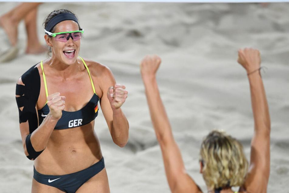Die deutsche Beach-Volleyballerin Kira Walkenhorst (links) legte mit ihrer Spielpartnerin Laura Ludwig bei den Olympischen Spielen in Rio De Janeiro einen gelungnen Abschied vom Profi-Sport hin.