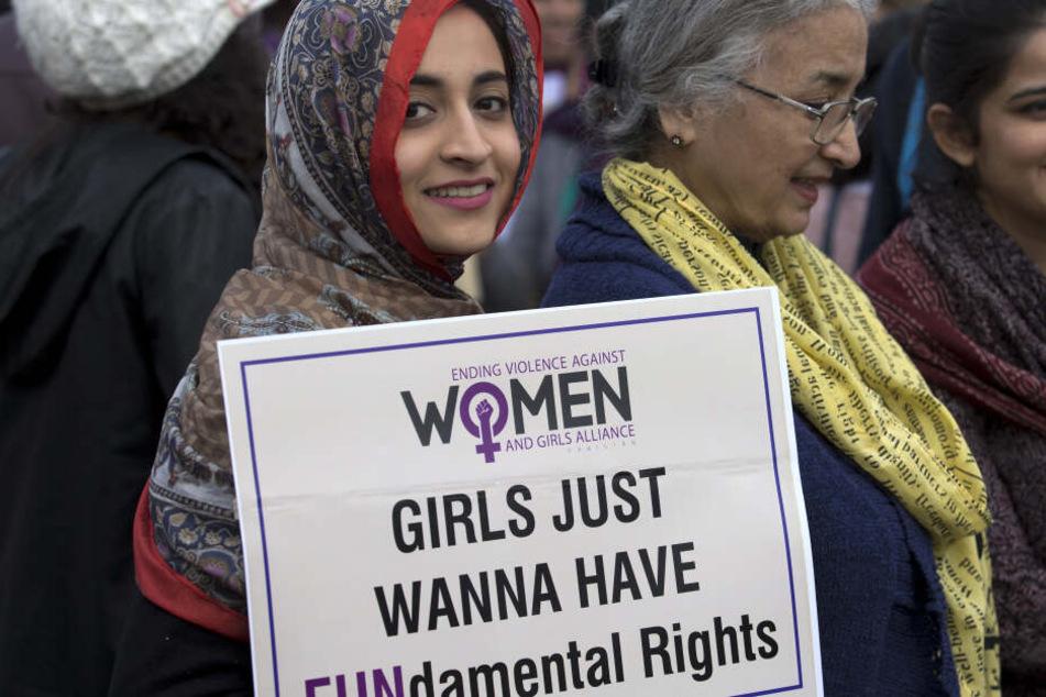 Immer wieder steht Pakistan im negativen Rampenlicht: Gerade die Rechte von Frauen werden in dem Land häufig beschnitten. Dagegen formt sich Widerstand, wie hier bei einer Demonstration am 8. März in Islamabad.