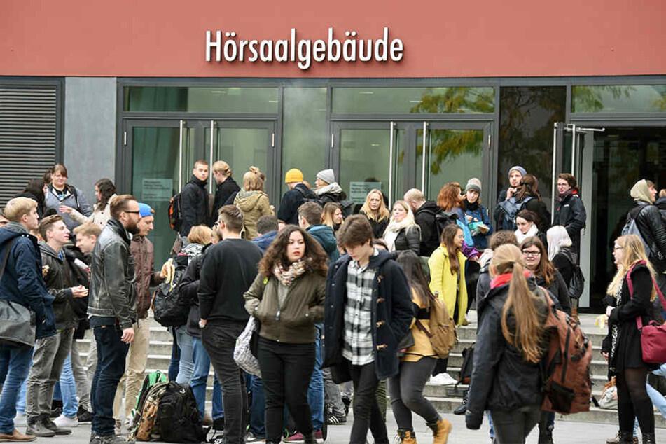 Die Leipziger Studenten sind unzufrieden mit den derzeitigen Umständen an der Universität.