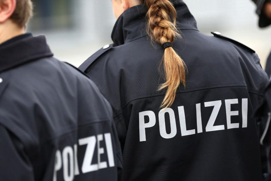 Neue Prüfungssysteme sollen verhindern, dass Neu-Zugänge bei der Polizei einen kriminellen Hintergrund haben. (Symbolbild)