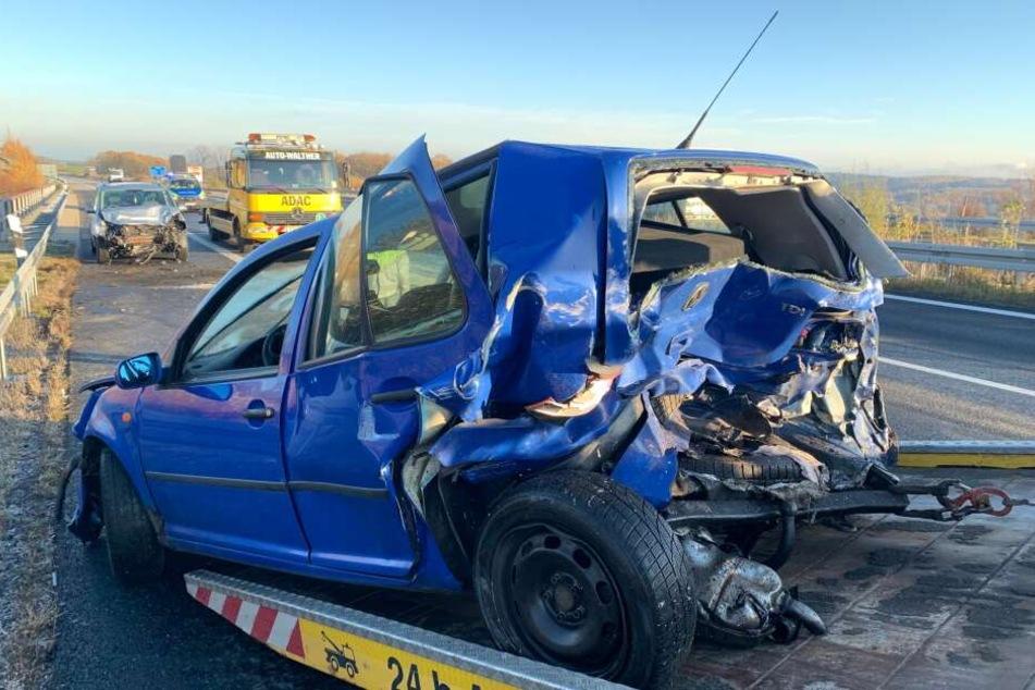 Schwerer Glatteis-Unfall auf der Autobahn: Vier Verletzte nach Kettenreaktion