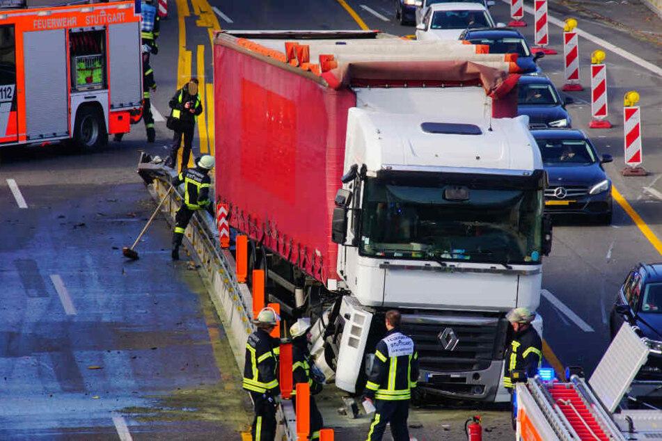 Die Lkw-Fahrer wurden bei dem Unfall nicht verletzt.