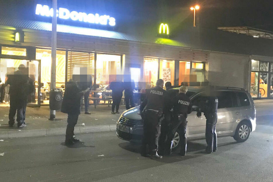 Die Polizei leitete gegen drei Männer Strafverfahren ein.