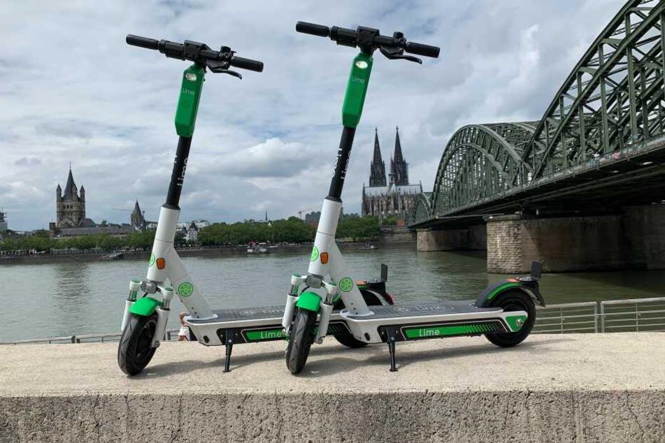 Seit Freitag (21. Juni) sind die E-Scooter der Firma Lime in Köln verfügbar.