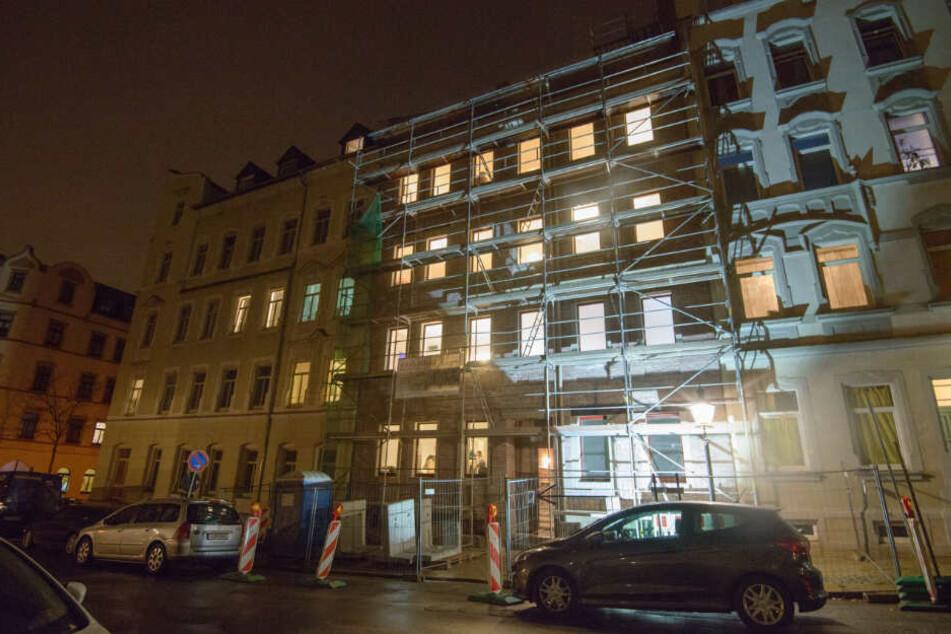 Lichtblick im Dunkeln: Das Gebäude in der Gießerstraße 41 stand fast 30 Jahre lang leer.