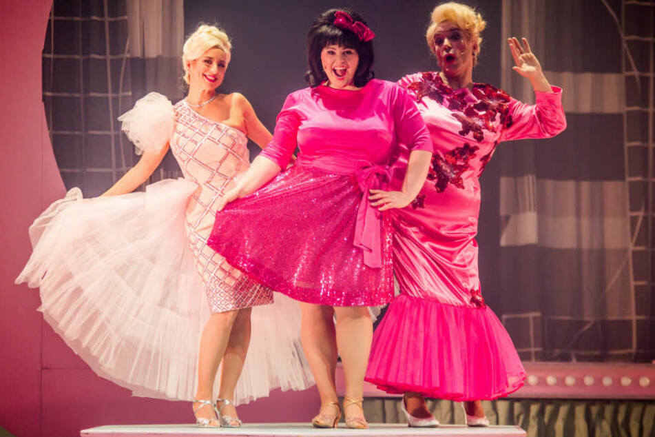 "Die ""Hairspray""-Hauptdarsteller (v.l.): Isabel Varell, Beatrice Reece und Uwe Kröger."