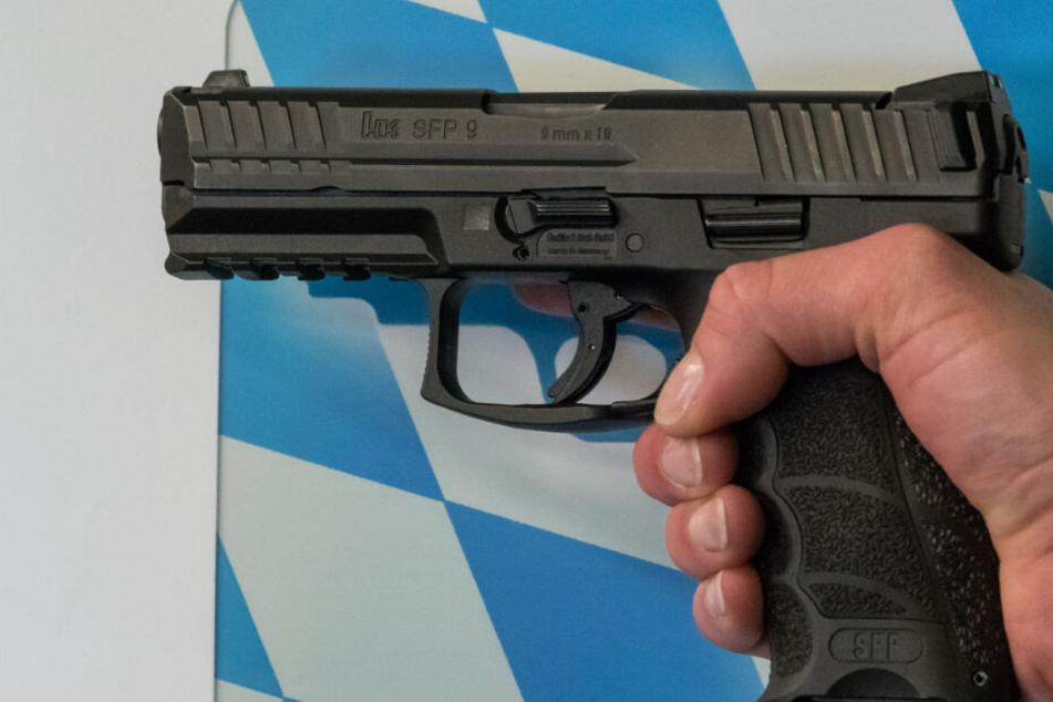 """Die künftige Dienstwaffe für die bayerischen Polizei vom Modell """"SFP9"""" des Herstellers Heckler & Koch."""