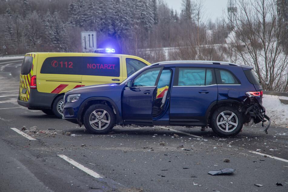 Vier Personen wurden leicht verletzt.