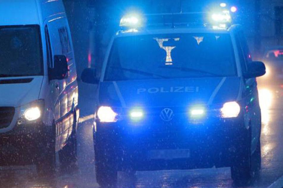 Als die Beamten am Tatort eintrafen, waren die Männer bereits verschwunden.