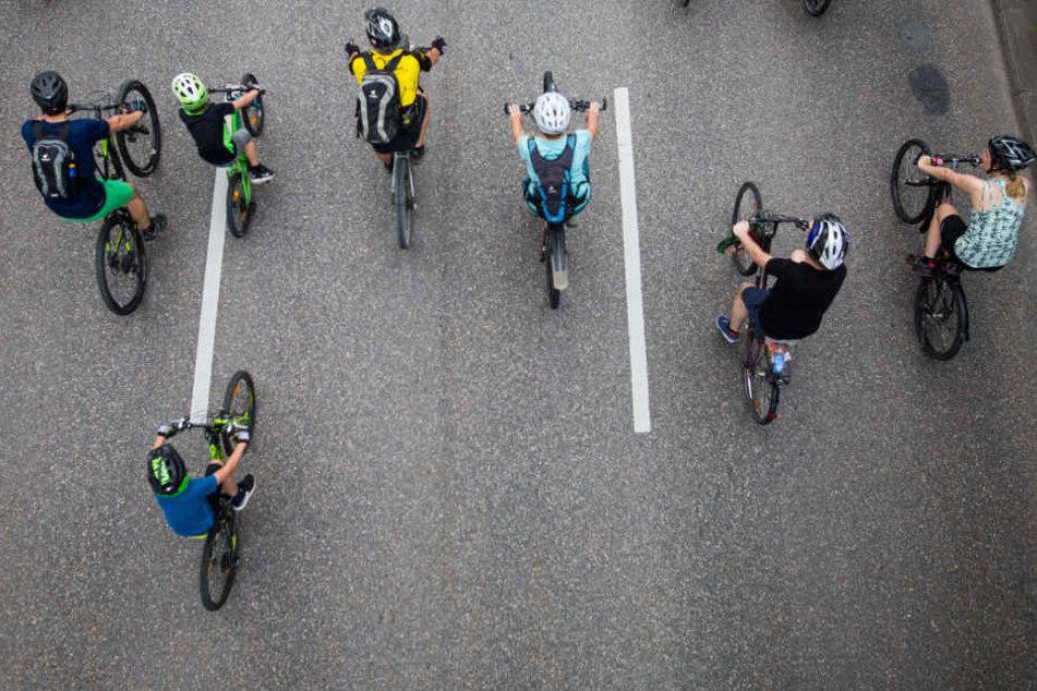 Dank Absperrung: Wo sonst Autos fahren, waren am Sonntag die Fahrräder unterwegs.