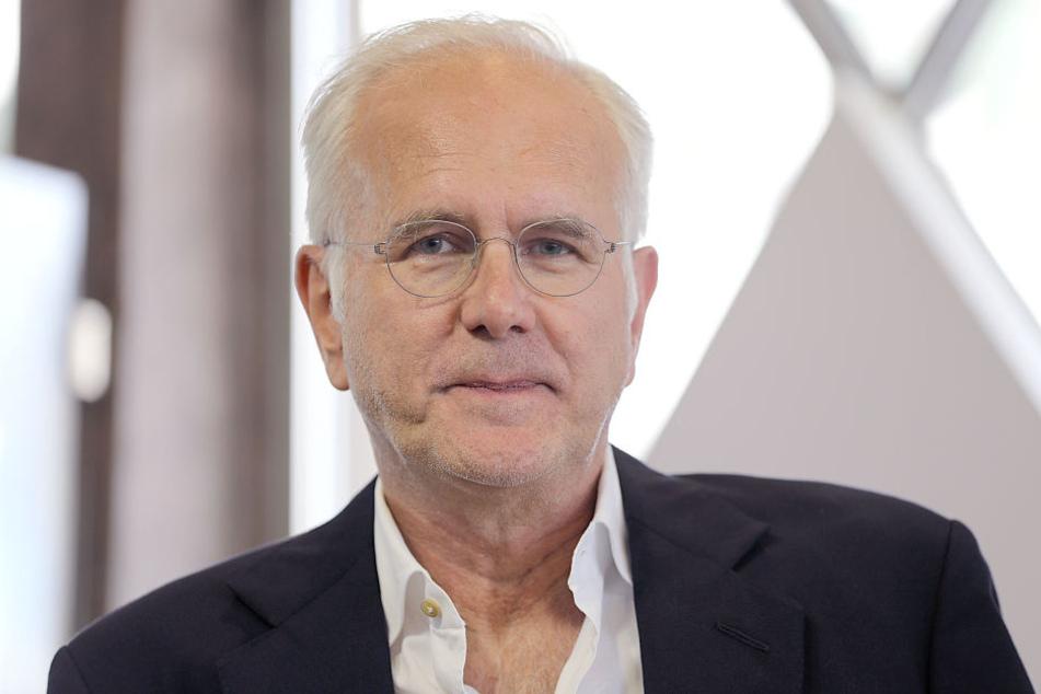 Smartphone-Verbot für Kinder hält Harald Schmidt (61) für richtig.