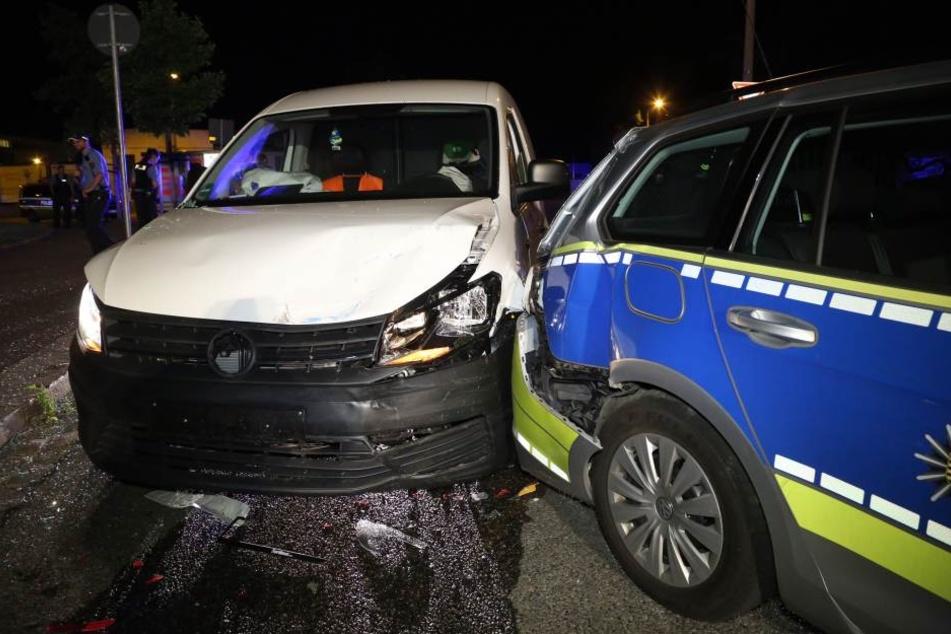 In der Nacht kam es in der Dresdner Innenstadt zu einem Verkehrsunfall.
