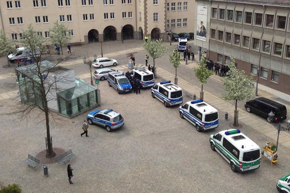 Die Polizei war mit einem Großaufgebot auf dem Kornmarkt.