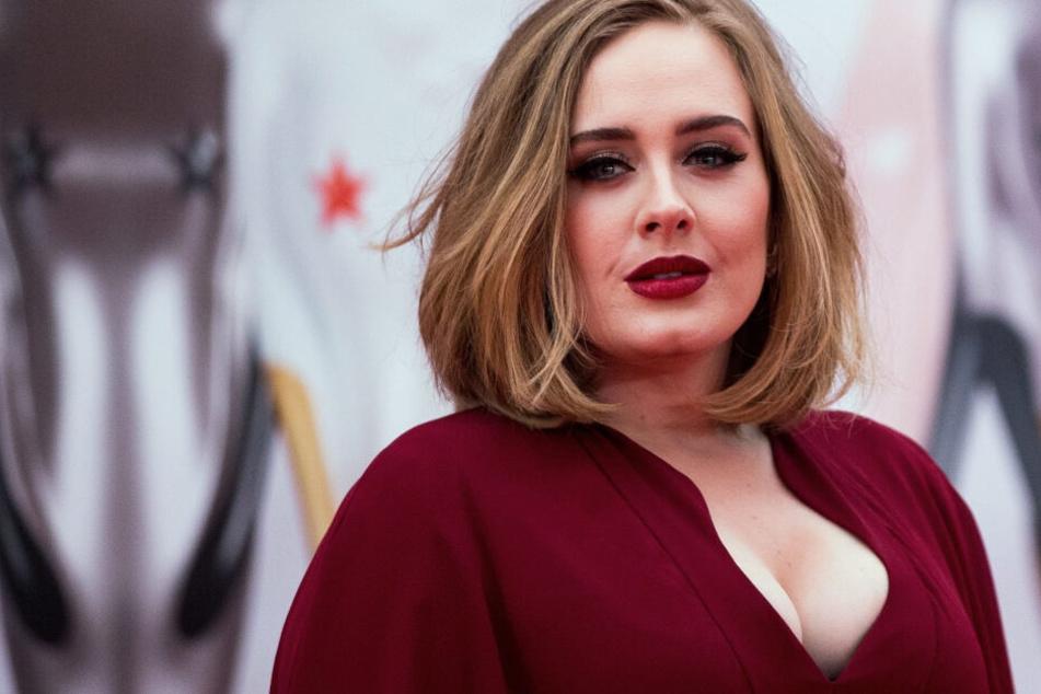 Adele ist wieder Single.