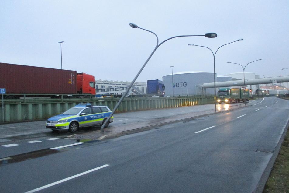 Lkw-Fahrer begeht Unfallflucht: Polizei braucht jetzt Eure Hinweise