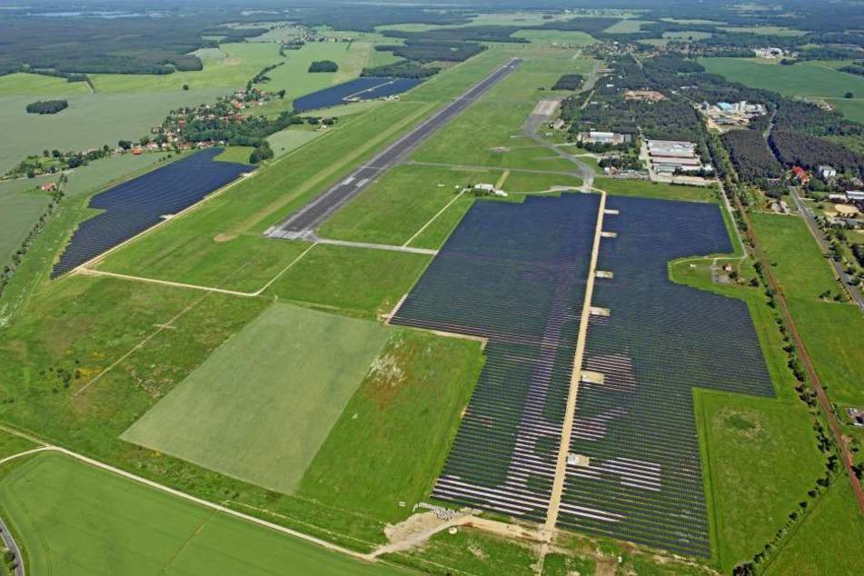 Der Flugplatz Rothenburg bei Görlitz. Auf dieser Fläche soll eine Fabrik für E-Autos entstehen.