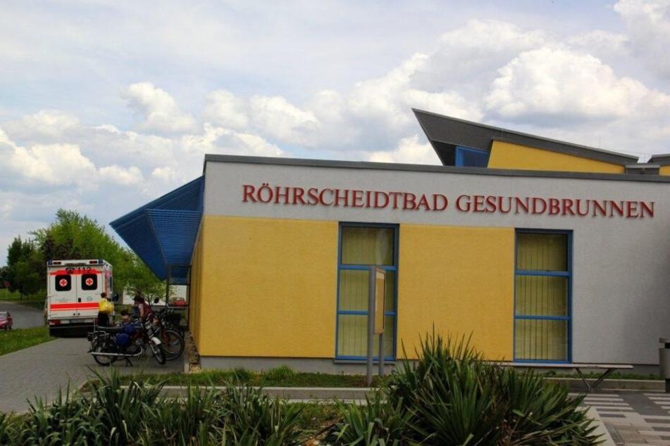"""Die Bautzner Stadtverwaltung lädt zum """"Frauenschwimmen"""" ins Röhrscheidtbad Gesundbrunnen ein."""