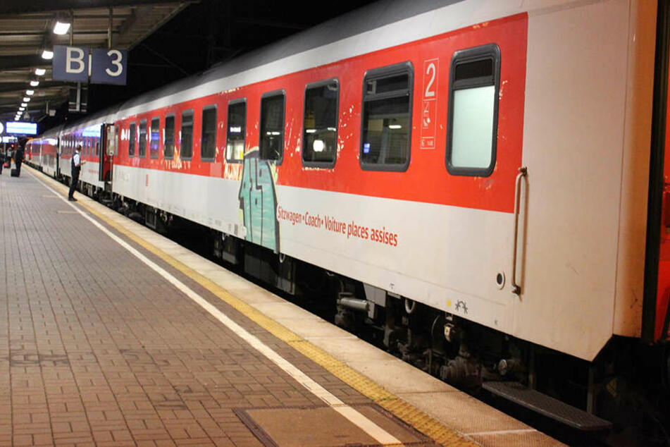 Bei dem Zug handelte es sich um einen City Night Line Nachtzug nach Prag mit Kurswagen nach Warschau. (Symbolbild).