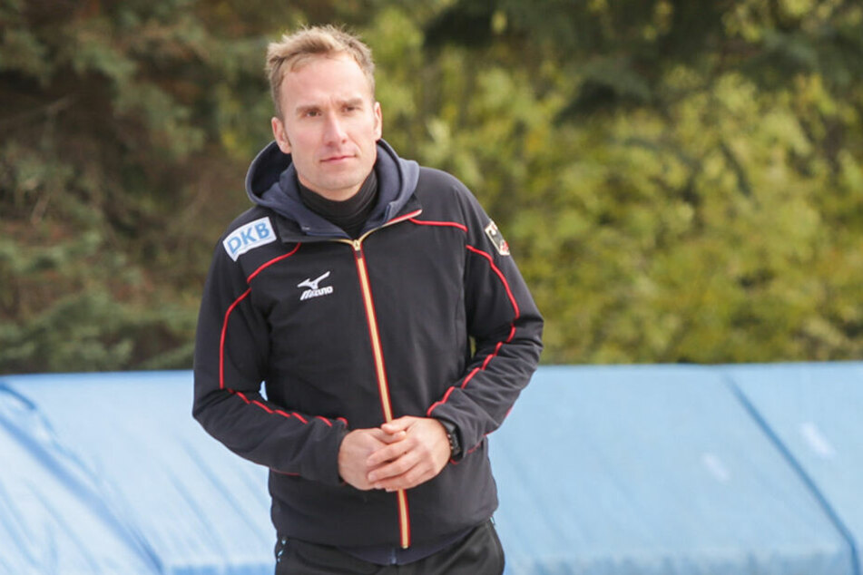 Wehrt sich gegen Kritik: Eisschnelllauftrainer Harald Harnisch.