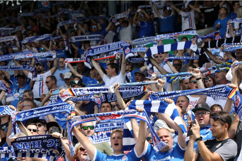 So dicht an dicht werden die Fans am Sonntag nicht stehen dürfen. (Archivbild)