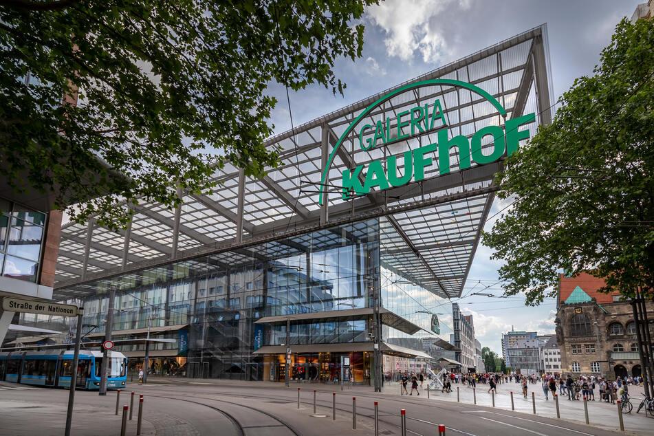 Die Kaufhof-Filiale in Chemnitz wurde erst 2001 eröffnet. Die Immobilie in 1A-Lage ist hochmodern, das Kunden-Einzugsgebiet riesig.