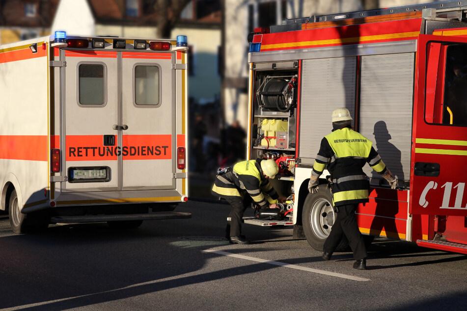 Tödlicher Brand: Feuerwehr findet Leiche von Jugendlichem in Wohnung