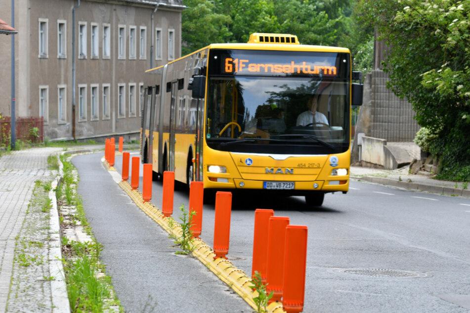 """Die """"Baustelle"""" auf der Grundstraße soll eine Röhre im Untergrund schützen."""