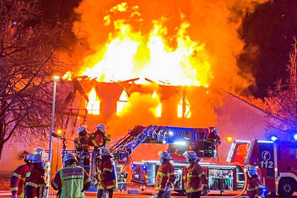 Brand von denkmalgeschützter Halle: Schaden in Millionenhöhe