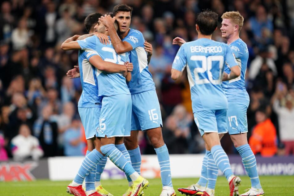 ... jubelten jeweils nur wenige Minuten später die Spieler von Manchester City.