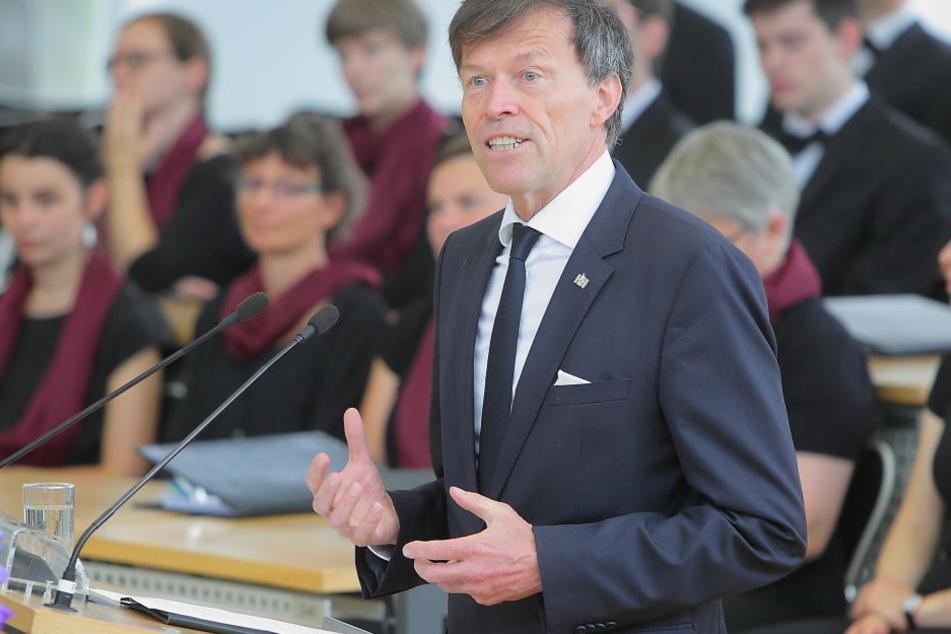 Landtagspräsident Matthias Rößler (61,CDU) eröffnet das neue Brüsseler Büro.