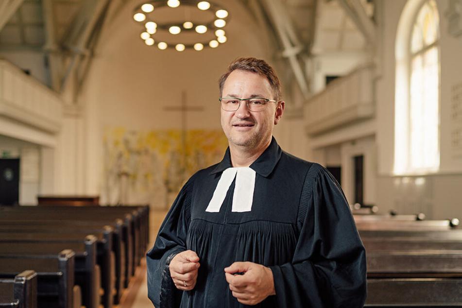 Gabriel Beyer (53) aus Dresden ist der neue Pfarrer der evangelisch-lutherischen Kirchgemeinde am Weißen Hirsch.