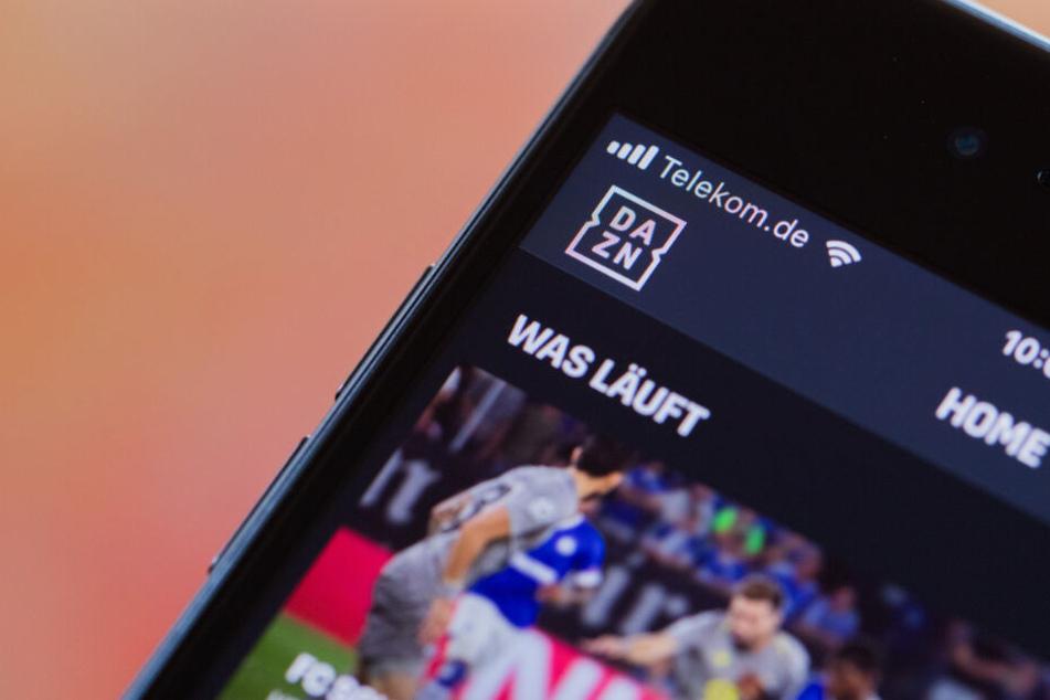 Durch einen technischen Fehler konnten deutsche Zuschauer auf DAZN das EM-Spiel Deutschland gegen Irland zeitweise sehen. (Symbolbild)