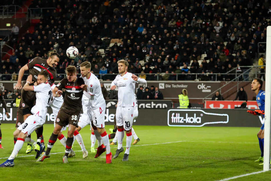 Gegen Union Berlin köpfte Alex Meier das zwischenzeitliche 2:0. Es war eines von