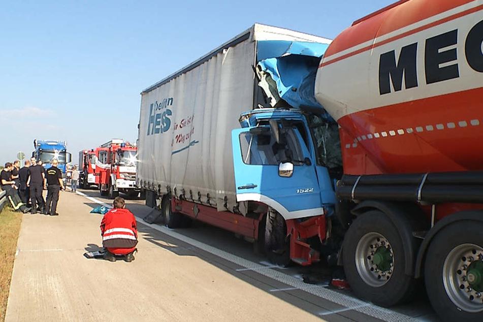 Der Lkw war gegen 8.55 Uhr auf ein Stauende aufgefahren.