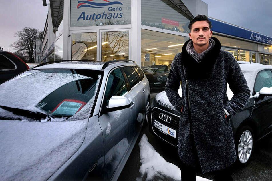 Juniorchef Murat Genc (23) ist entsetzt: Aus seinem Autohaus wurden vier Autos geklaut.