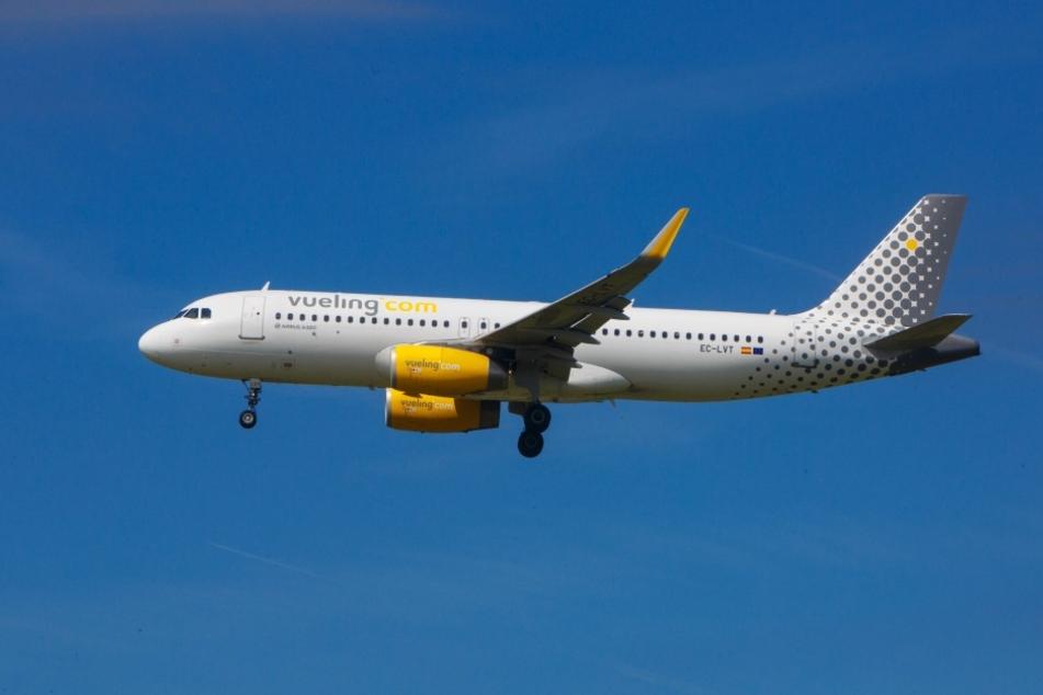 Bleibt Vueling? Immer wieder müssen Fluggäste in Sachsen bangen, ob  Verbindungen eingestellt werden.
