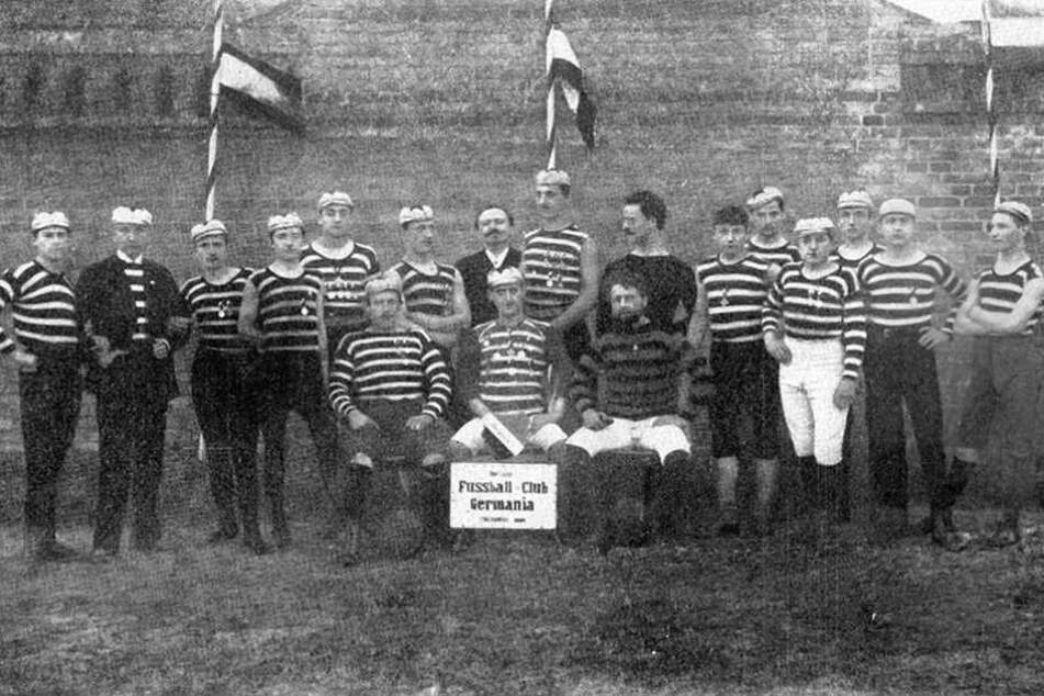 Ein Mannschaftsfoto aus dem Jahr 1891, in dem Germania eine (inoffizielle) deutsche Meisterschaft feierte.