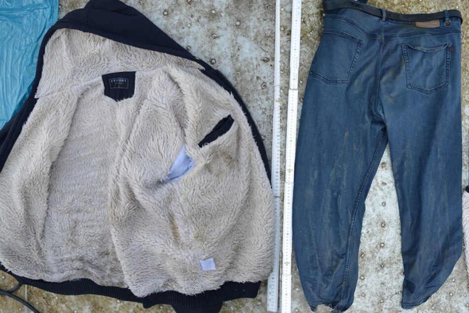 Diese Kleidungsstücke trug der tote Mann bei seinem Auffinden.
