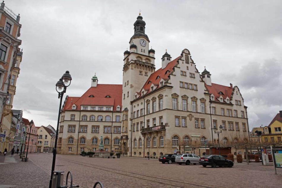 Hübsch rausgeputzte Altstadt: Döbelns OB Sven Liebhauser (37, CDU) freut sich über die hervorragende Bewertung seiner Stadt.