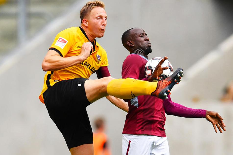 Die Generalprobe gegen Aston Villa - hier kämpft Marco Hartmann (l.) mit Albert Adomah um den Ball - ging schief. Die heutige Saisonpremiere sollte also gelingen...