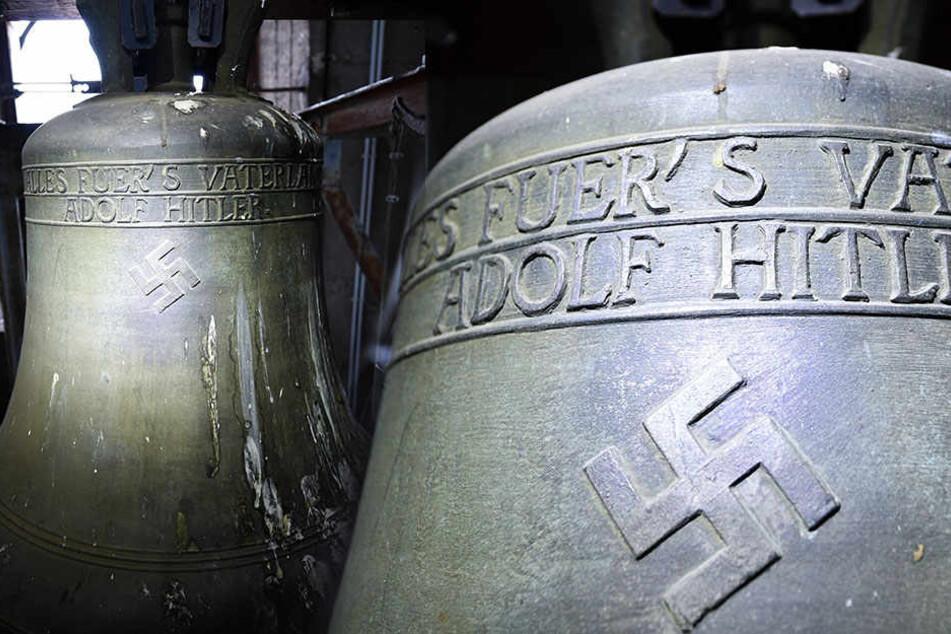 """In Herxheim am Berg wurde vor einigen Monaten diese """"Hitler-Glocke"""" gefunden. In Zukunft soll sie nicht mehr läuten."""