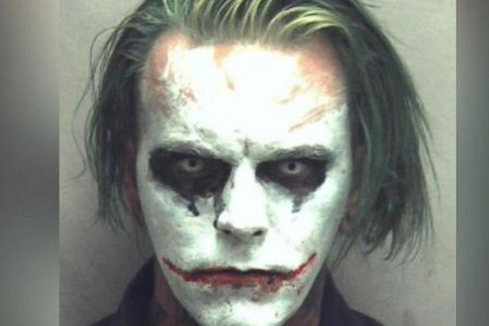 Geschminkt wie Joker, sorgte dieser Mann für unzählige Notrufe bei der Polizei.