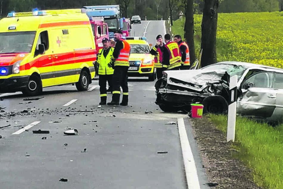 Schwerer Unfall: Person stirbt bei Frontalcrash in Wermsdorf
