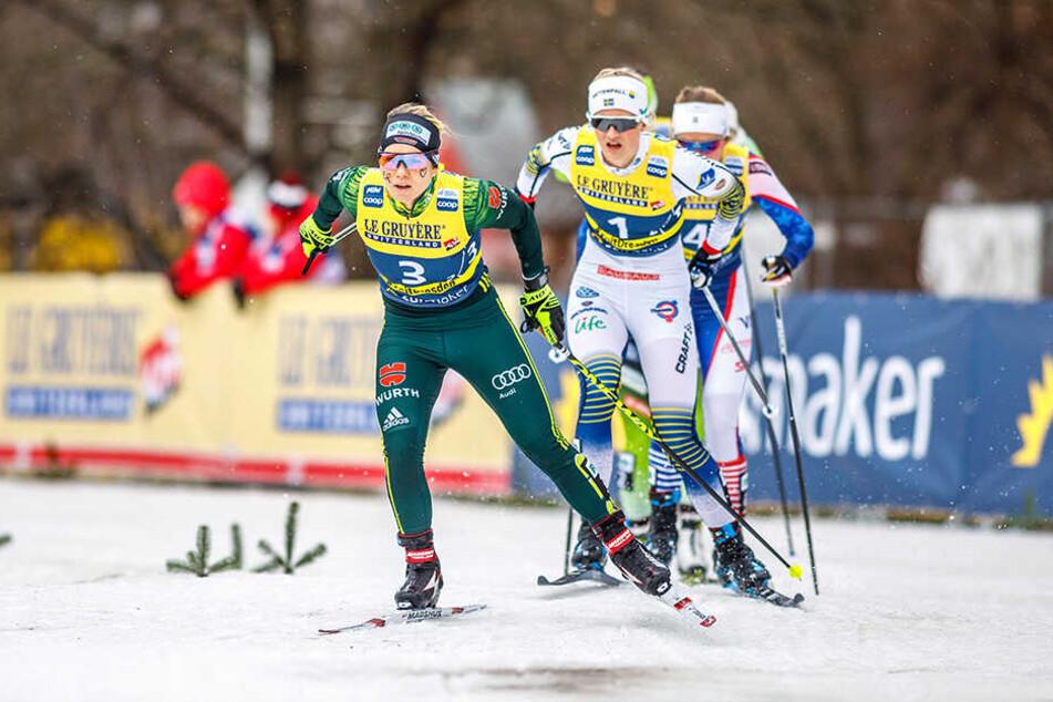 Sandra Ringwald (vorn) hätte viel eher das Tempo anziehen müssen. Stattdessen stürzte sie anschließend 300 Meter vorm Ziel.