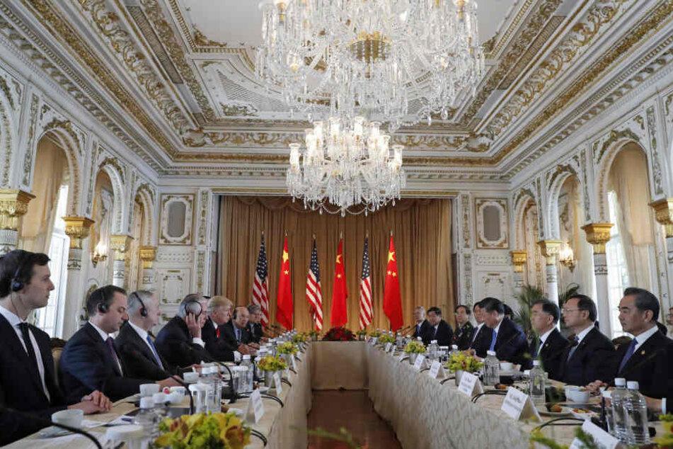 Beim Besuch des chinesischen Staatschef wurde auch im Mar-a-Lago diniert. Ob sich jemand den Magen verdorben hat, ist unklar.