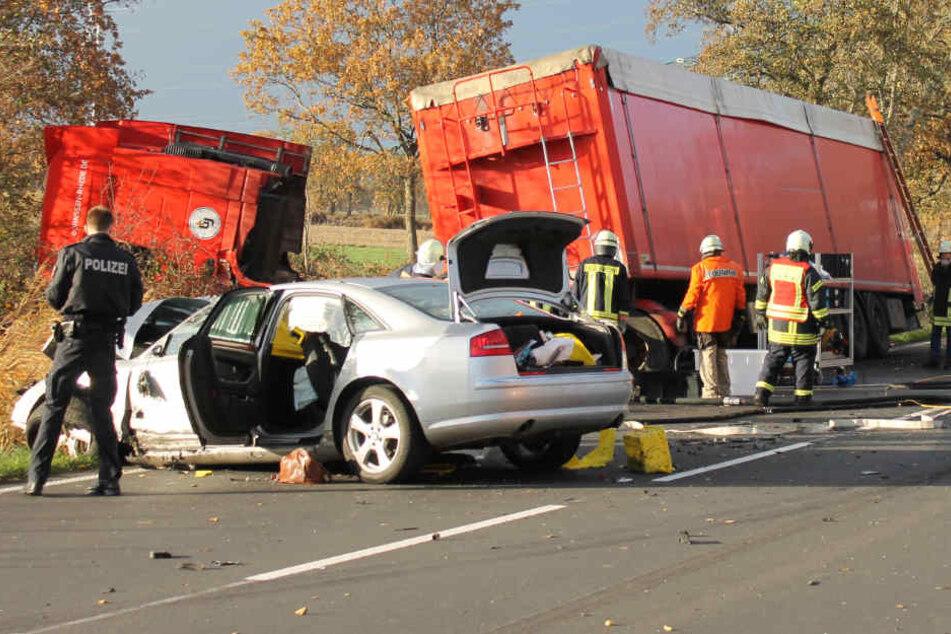 Die Frau des silbernen Autos erlag im Krankenhaus ihren Verletzungen.