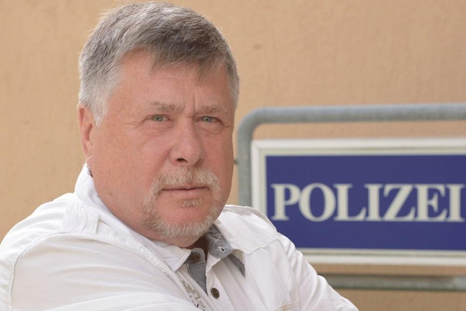 """Polizeigewerkschafter Reinhard Gärtner (62) nennt die doppelte Verzögerung  beim Geld """"eine Frechheit""""."""