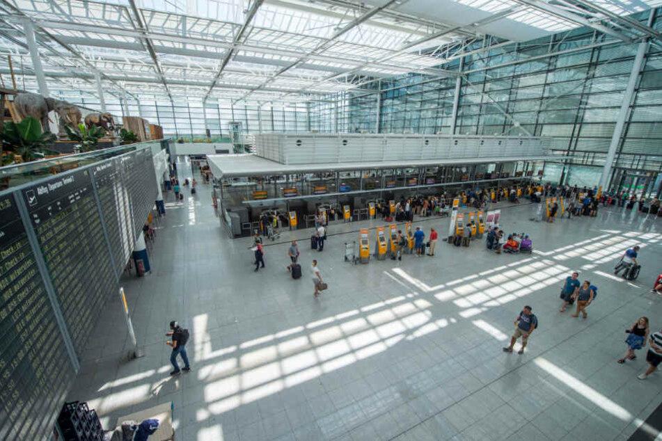 Bei der Sicherheitskontrolle am Flughafen München bemerkten die Beamten den verbotenen Gegenstand. (Symbolbild)